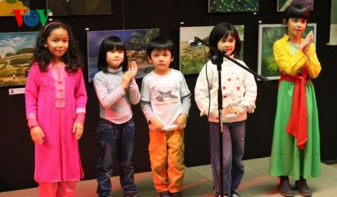 """Club """"Cometa"""", promotor del idioma y cultura vietnamitas en Francia - ảnh 1"""