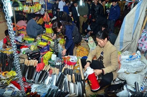 Mercado Vieng, donde se busca suerte y fortuna - ảnh 2