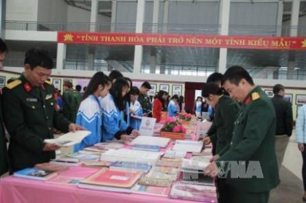 Inauguran en Thanh Hoa exhibición sobre Presidente Ho Chi Minh  - ảnh 1