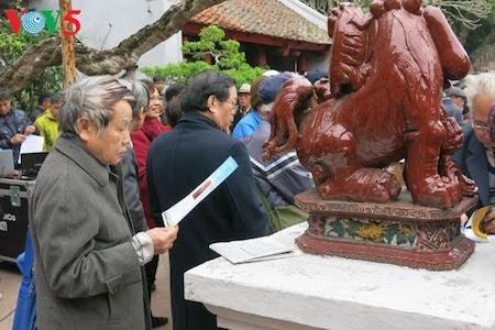 Día de la Poesía de Vietnam, en el Templo de la Literatura, en Hanoi - ảnh 15