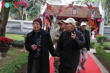 Día de la Poesía de Vietnam, en el Templo de la Literatura, en Hanoi - ảnh 6