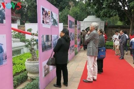 Día de la Poesía de Vietnam, en el Templo de la Literatura, en Hanoi - ảnh 8