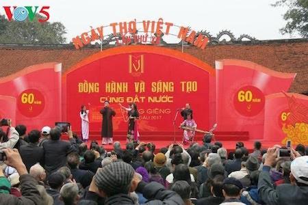 Día de la Poesía de Vietnam, en el Templo de la Literatura, en Hanoi - ảnh 9