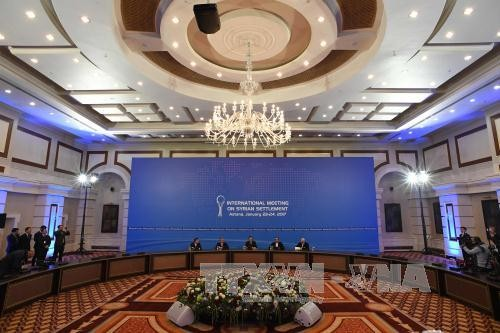 Gobierno y oposición de Siria invitados a nuevas negociaciones en Astaná - ảnh 1