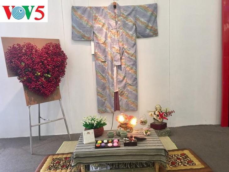 """Exposición """"Fiesta del Amor"""", un destino atractivo para enamorados y amantes de flores - ảnh 1"""