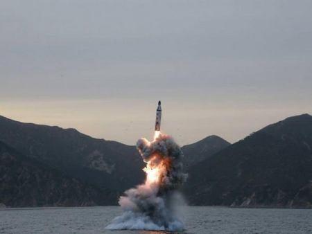 Misiles norcoreanos podrían alcanzar territorio estadounidense en próximos 5 años - ảnh 1