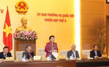 Concluye séptima sesión del Comité Permanente del Parlamento vietnamita - ảnh 1