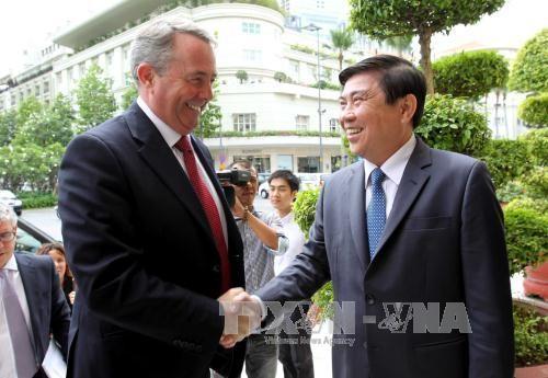 Ciudad Ho Chi Minh promete brindar mejores condiciones a empresas británicas - ảnh 1