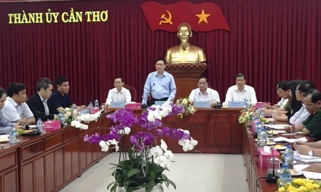 Vicepremier vietnamita efectúa visita de trabajo en ciudad sureña  - ảnh 1