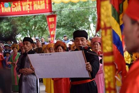Vietnam se empeña en preservar los valores culturales y patrimoniales en las fiestas tradicionales  - ảnh 1