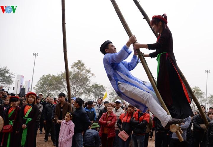 Vietnam se empeña en preservar los valores culturales y patrimoniales en las fiestas tradicionales  - ảnh 2