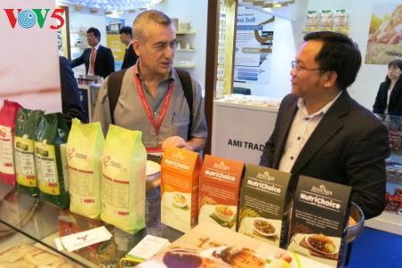Empresas vietnamitas promueven productos agrícolas en feria Gulfood en Dubai - ảnh 10