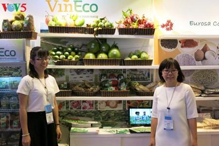 Empresas vietnamitas promueven productos agrícolas en feria Gulfood en Dubai - ảnh 2