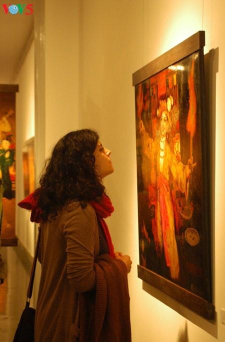 Culto a las Diosas Madres reflejado en pinturas de laca de Tran Tuan Long - ảnh 4