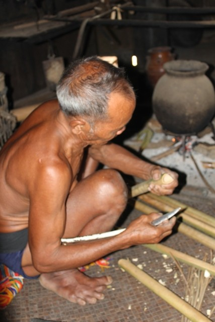 Dinh Tut, original instrumento musical de la etnia Gie Trieng - ảnh 2