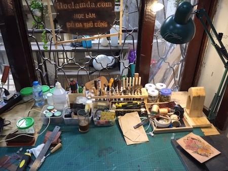 Fábrica de productos de cuero para los jóvenes de Hanoi   - ảnh 2