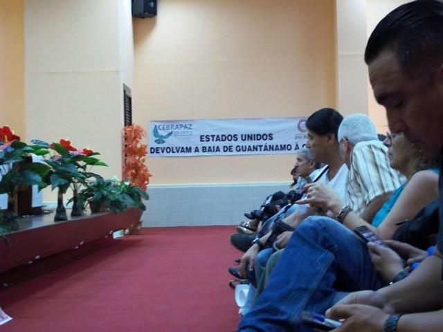 En Guantánamo, Cuba, pacifistas del mundo refuerzan coalición por la paz - ảnh 5