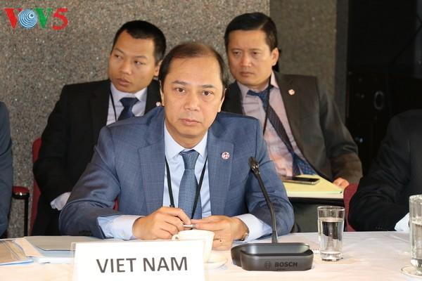 Reafirma Vietnam consideración a lazos Asean-Canadá en XIV diálogo bilateral en Ottawa - ảnh 1
