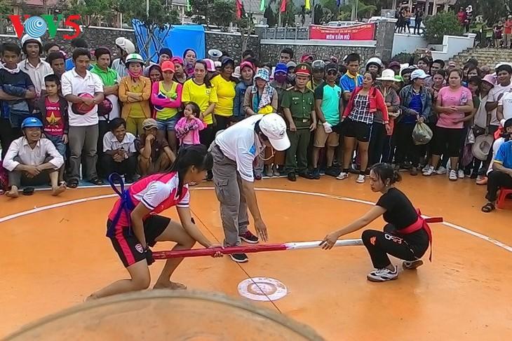 Festival étnico de provincia central de Vietnam ofrece diversas actividades culturales y deportivas - ảnh 1