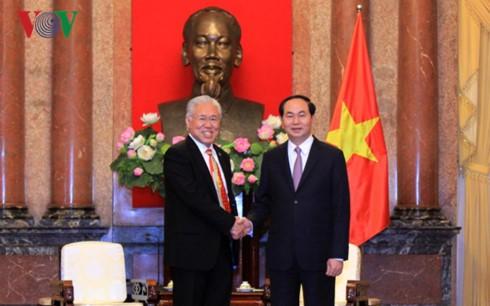 Presidente vietnamita se reúne con ministros de Comercio de Canadá e Indonesia - ảnh 2