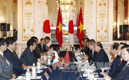 Líderes de Vietnam y Japón ratifican interés de estrechar vínculos de asociación estratégica - ảnh 1