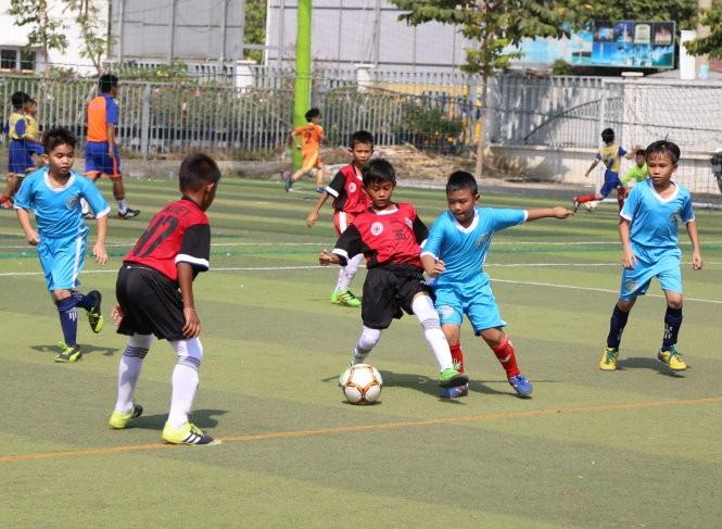 Academia S&A de Fútbol, símbolo de la amistad Vietnam-Tailandia - ảnh 2