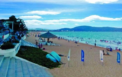 El turismo de Binh Dinh inicia la temporada de verano con atractivas actividades - ảnh 1