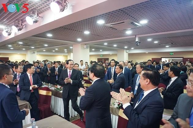 Presidente vietnamita se reúne con compatriotas en Rusia  - ảnh 1