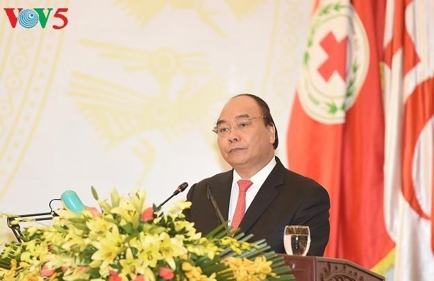 Primer ministro vietnamita orienta al Congreso de la Cruz Roja nacional - ảnh 1