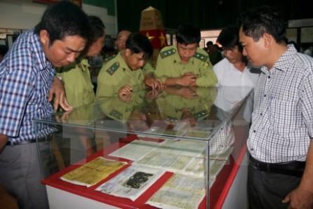 """Exposición """"Hoang Sa y Truong Sa son de Vietnam – pruebas históricas y jurídicas"""" - ảnh 1"""