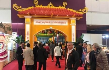 Vietnam promueve su cultura en feria internacional en Francia  - ảnh 1