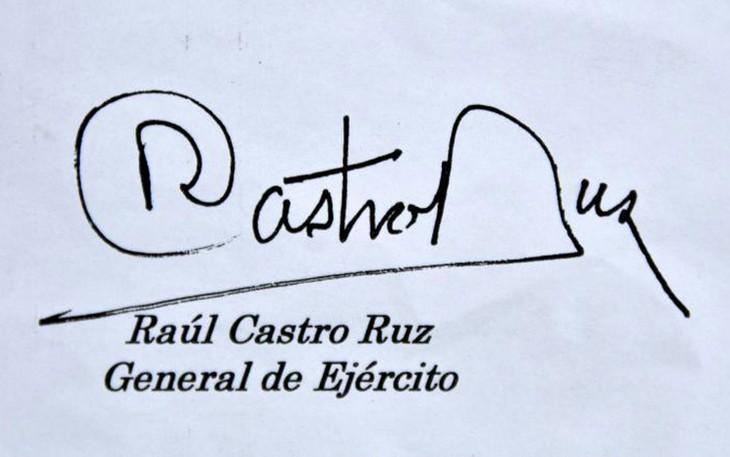 Destaca prensa cubana mensaje de Raúl Castro a Vietnam y a sus líderes - ảnh 1