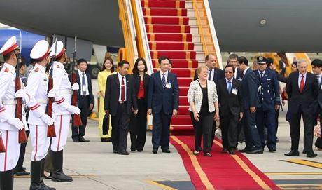 Líderes de Chile y Canadá realizan visitas oficiales a Vietnam - ảnh 1
