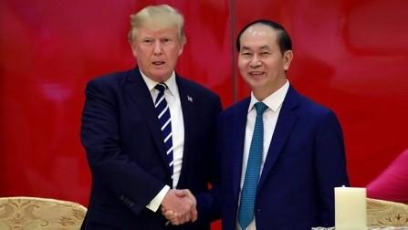 Ceremonia de agasajo en Hanói en honor del presidente estadounidense  - ảnh 1