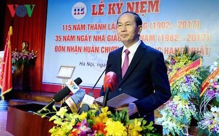 Presidente vietnamita felicita los 115 años de la Universidad de Medicina de Hanoi - ảnh 1