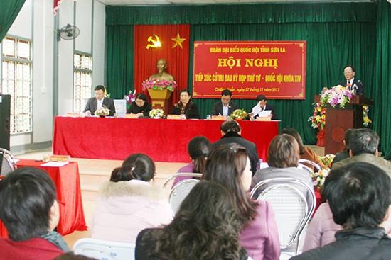 Parlamentarios vietnamitas dialogan con el electorado nacional - ảnh 1