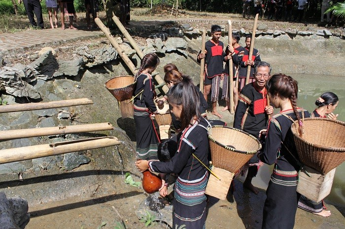 Los Ede y su particular ritual en honor al agua - ảnh 2