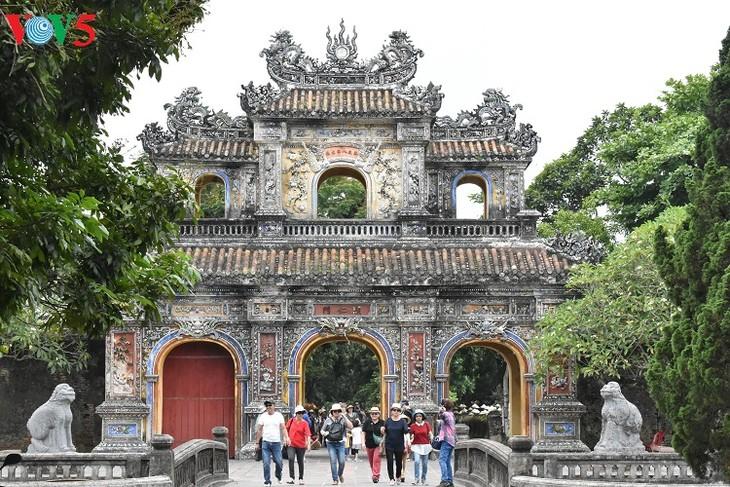 Hue, capital de los festivales de Vietnam - ảnh 2