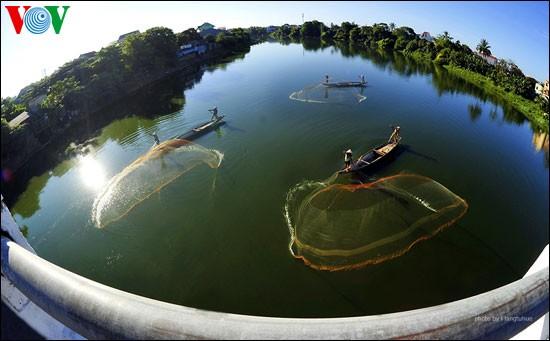 Tari kehidupan di sungai Nhu Y - ảnh 10