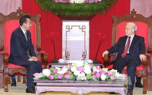 Sekjen Nguyen Phu Trong menerima Duta Besar RDR Korea - ảnh 1