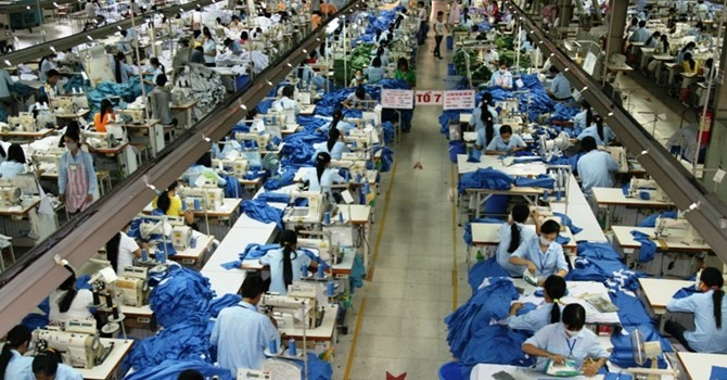 Nilai ekspor memberikan sumgbangan pada perekonomian Vietnam tahun 2015 - ảnh 1
