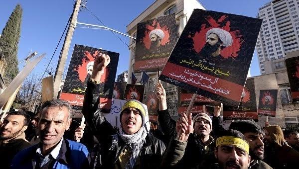 Demonstrasi di Iran untuk menentang Arab Saudi  mengeksekusi ulama Islam - ảnh 1