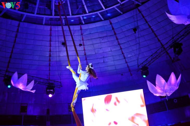 Gala Sirkus Internasional sehubungan dengan peringatan ultah ke-60 Federasi Sirkus Vietnam - ảnh 14