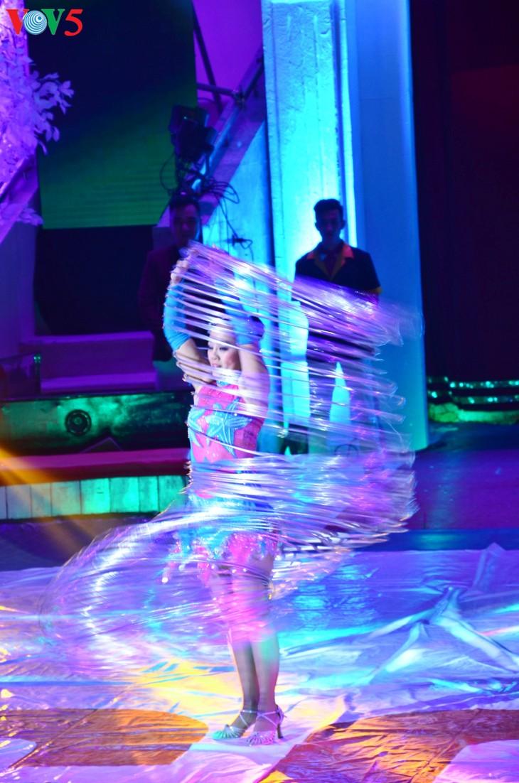 Gala Sirkus Internasional sehubungan dengan peringatan ultah ke-60 Federasi Sirkus Vietnam - ảnh 3
