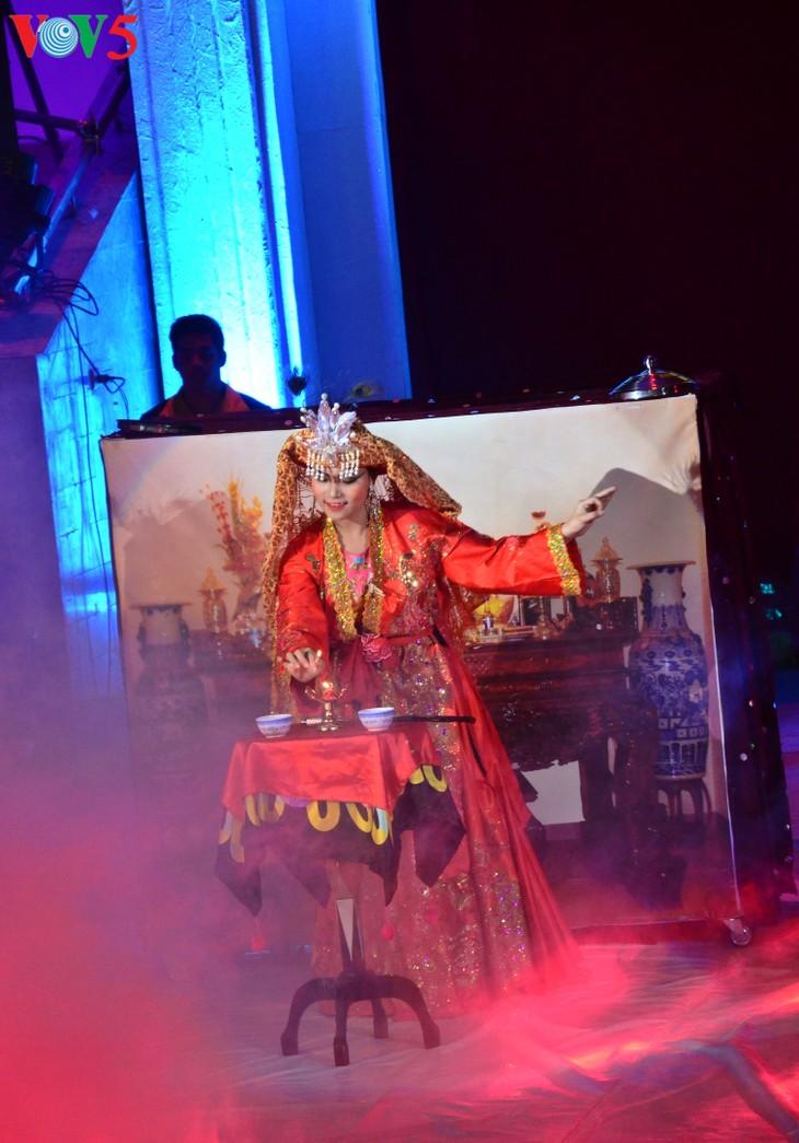 Gala Sirkus Internasional sehubungan dengan peringatan ultah ke-60 Federasi Sirkus Vietnam - ảnh 7