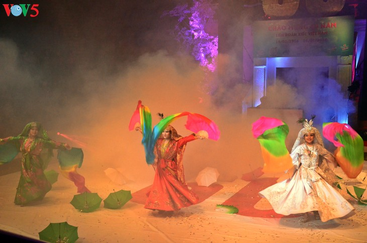 Gala Sirkus Internasional sehubungan dengan peringatan ultah ke-60 Federasi Sirkus Vietnam - ảnh 9