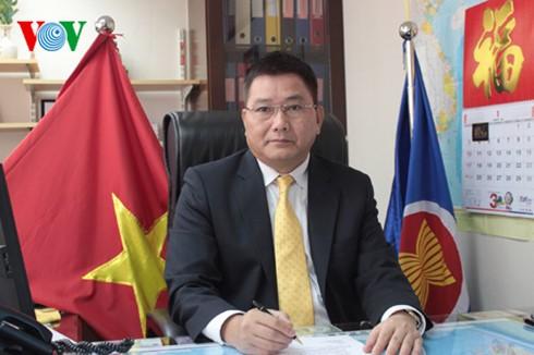 Anggota Partai Komunis Vietnam di Hongkong  dan Makau (Tiongkok)  percaya bahwa  Kongres Nasional PKV ke-12  - ảnh 1