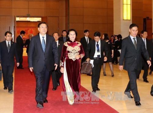 Ketua Komite Tetap KRN Tiongkok, Zhang Dejiang mengakhiri dengan baik kunjungan persahabatan resmi di Vietnam - ảnh 1