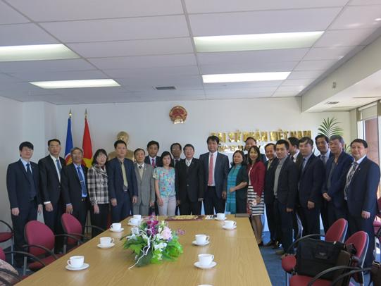 Rombongan Komisi  Keuangan-Anggara Keuangan MN melakukan kunjungan kerja kepada Kedubes Vietnam di Selandia Baru - ảnh 1