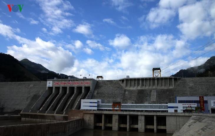 Meresmikan pabrik hydro listrik Lai Chau - ảnh 9